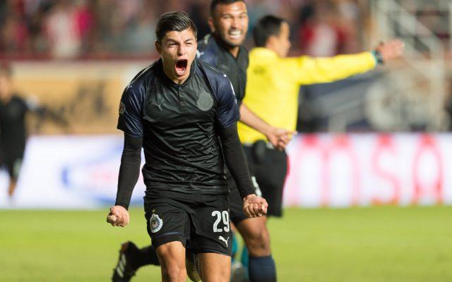 Con goles de Alan Pulido, Ronaldo Cisneros y un autogl, Chivas venció 3-1 al Necaxa en Aguascalientes. Carlos González marcó el gol de los Hidrorrayos