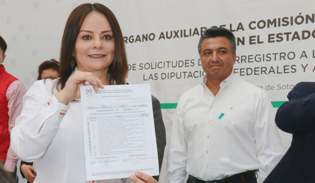 Nuvia Mayorga Delgado, excomisionada Nacional para el Desarrollo de los Pueblos Indígenas, se registró como precandidata del PRI a senadora por Hidalgo