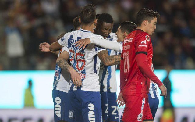 Los Tuzos del Pachuca consiguieron su primera victoria del torneo al vencer 3-1 a Lobos BUAP, que hiló tercer descalabro