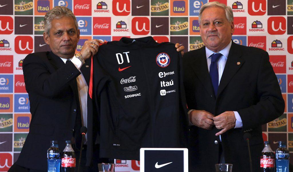 En su presentación como entrenador de La Roja, el colombiano Reinaldo Rueda aseguró que habrá disciplina y que las confrontaciones quedaron atrás