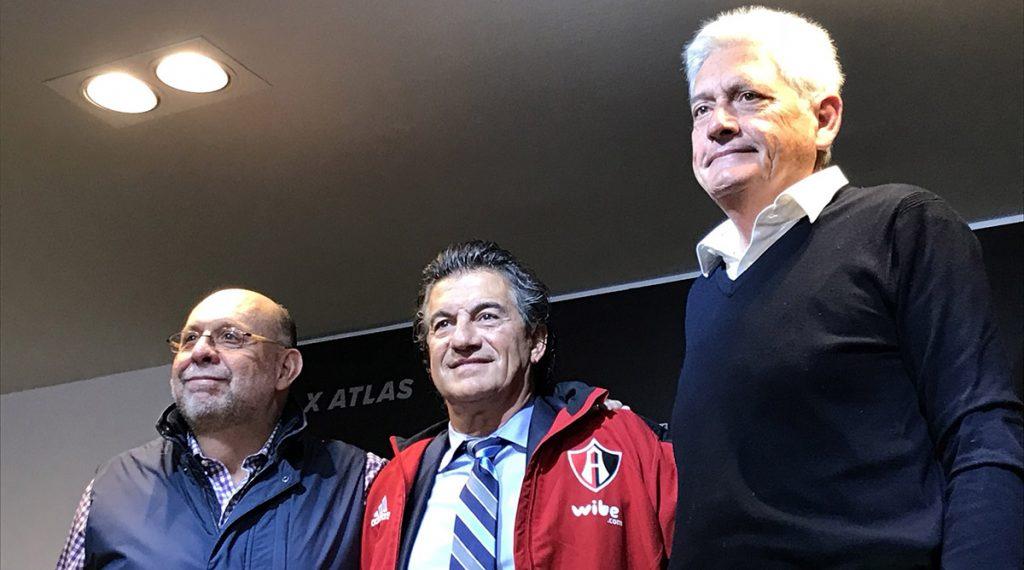 El argentino Rubén Omar Romano fue presentado como nuevo estratega de los Rojinegros del Atlas, en sustitución de José Guadalupe Cruz
