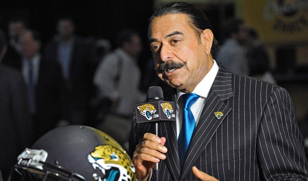 Shahid Khan, dueño de los Jaguares de Jacksonville, regaló mil boletos a refugiados por el huracán María para el partido de postemporada contra los Bills