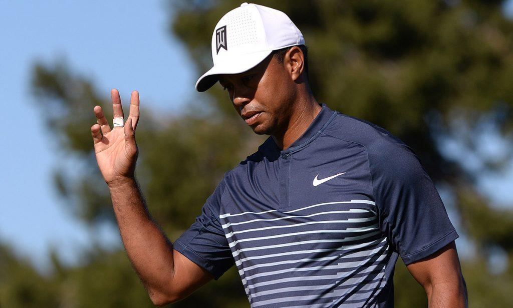 Con un espectacular cierre de cuatro birdies, Tiger Woods firmó tarjeta de 71 golpes y -1 para superar el corte en su regreso a Torrey Pines