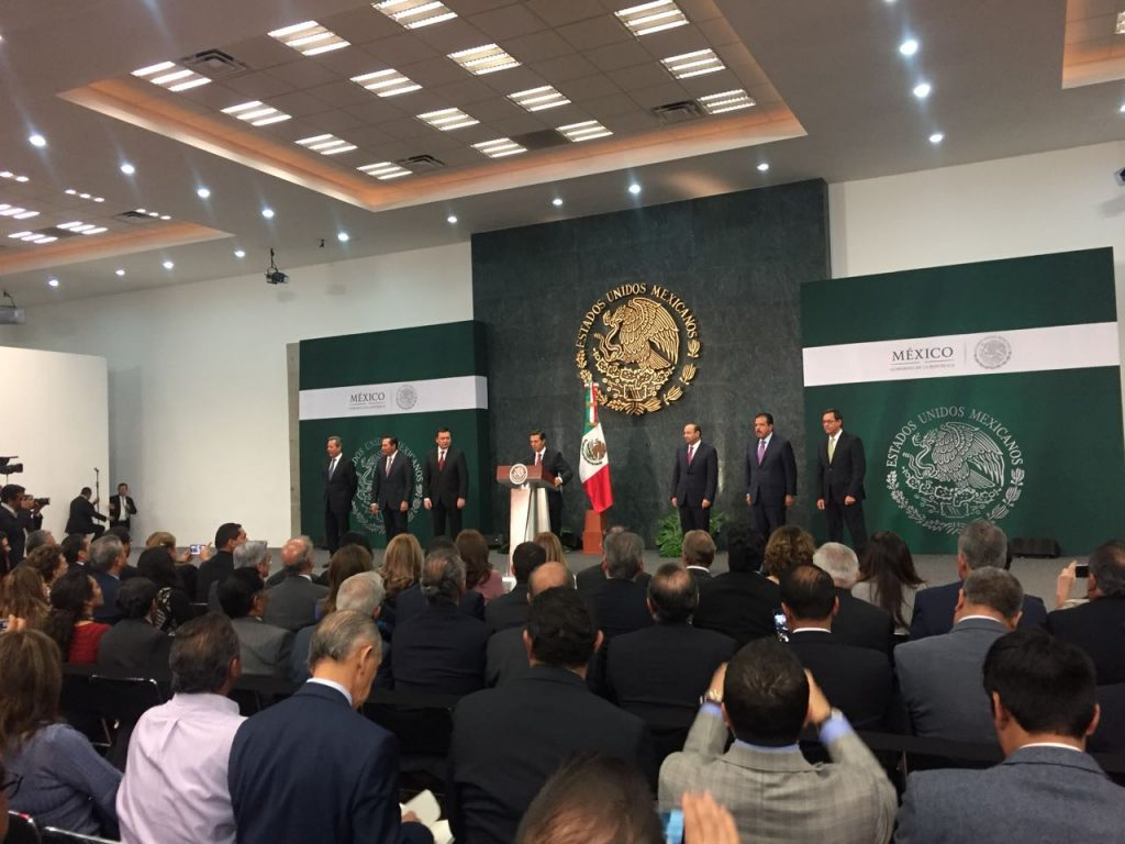 EPN acepta renuncia de Osorio Chong; nombra a nuevos secretarios