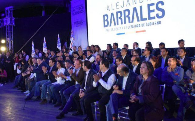 Arropan líderes del PAN a Barrales