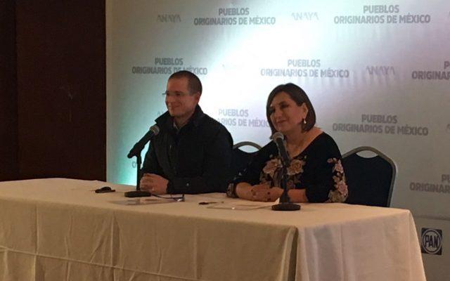 Anaya presenta a Xóchitl Gálvez como su asesora en temas indígenas