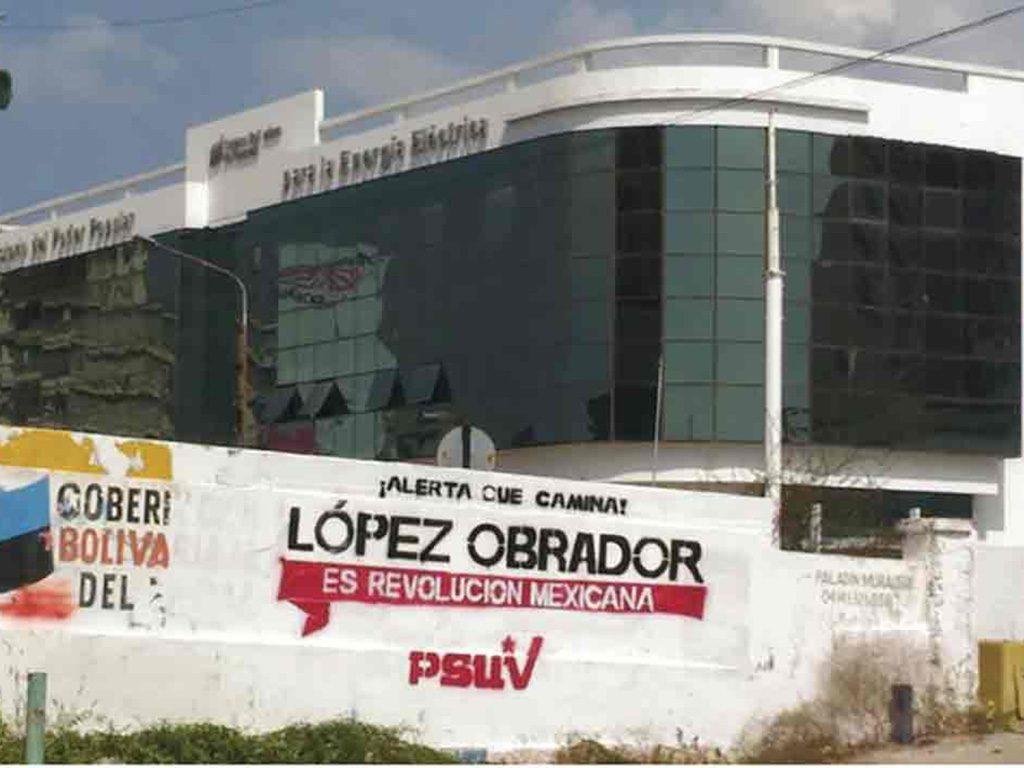 Partido Verde presenta queja por bardas pro AMLO en Venezuela