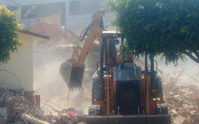 Empresa de demolición contratada tras el 19S huye de Puente de Ixtla