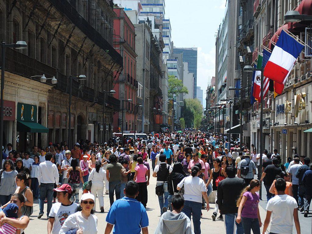Economía mexicana creció 2.3% en 2017, reporta el Inegi