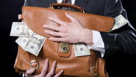 Detienen a sujeto que omitió impuestos por más de 44 millones de pesos