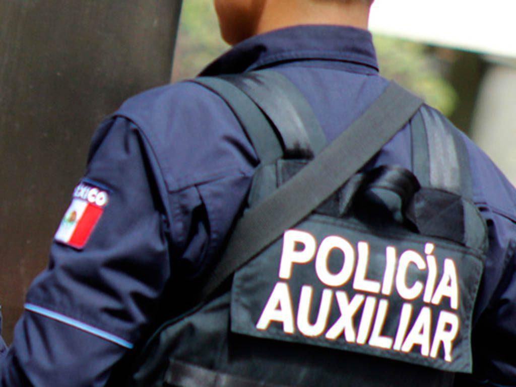 Policía auxiliar de la CDMX asalta transporte de pasajeros en Ecatepec