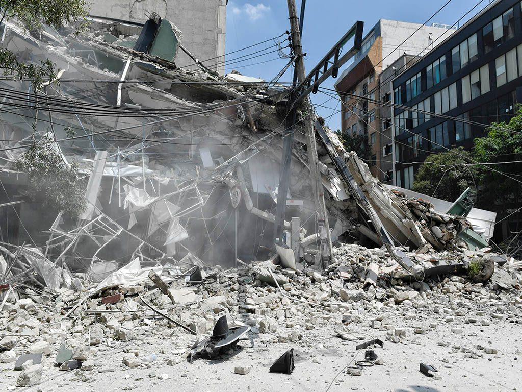 Cobran derechohabientes del Infonavit  3,887 seguros tras sismo
