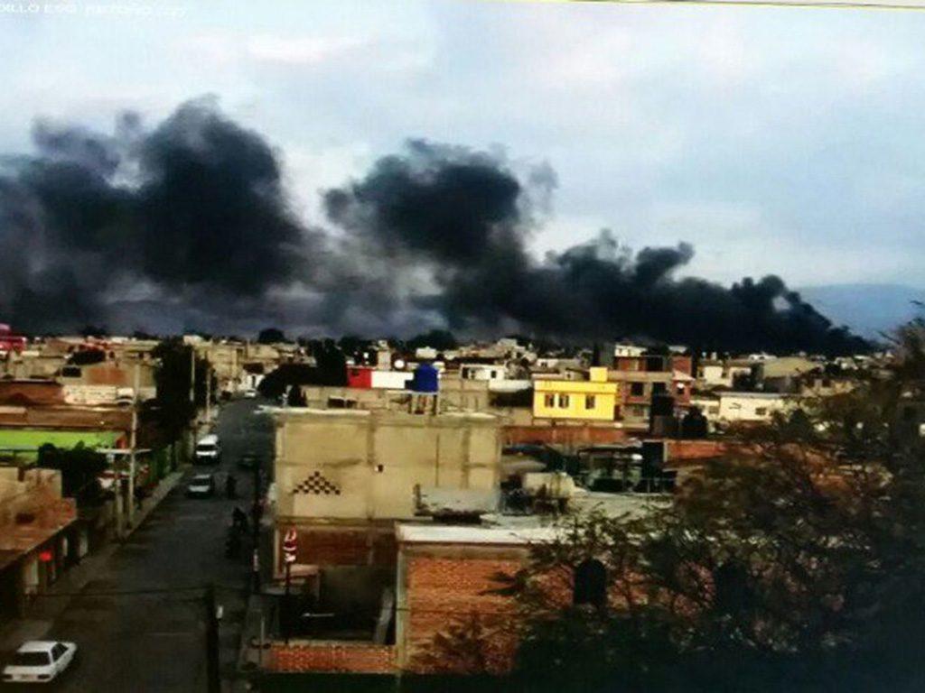 Se incendia fábrica de plástico en Texcoco