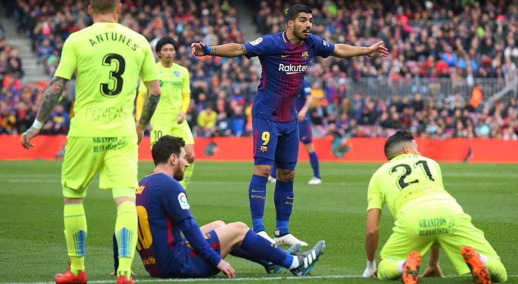 Ni con el trío estelar de los blaugrana integrado por Messi, Suárez y Coutinho, Barcelona pudo romper la igualada a cero con Getafe; el equipo catalán llegó a 30 partidos en liga sin derrota