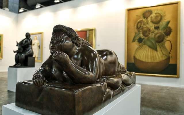 Más de 30 piezas de Botero se presentan en una misma sección dentro de la feria, la cual finaliza este domingo