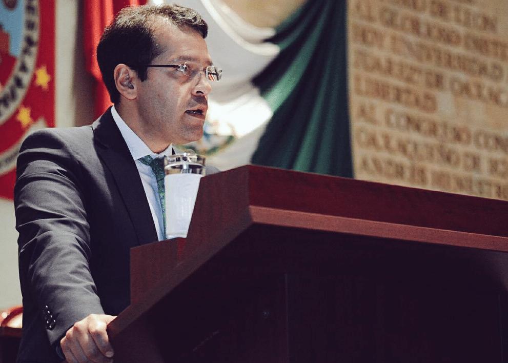 Luis Antonio Ramírez: TLC: claroscuros para el campo