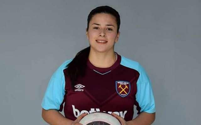 """Carla Salcedo, mediocampista nacida en la Ciudad de México, escribe su propia historia como integrante de los """"Hammers"""" del West Ham United"""