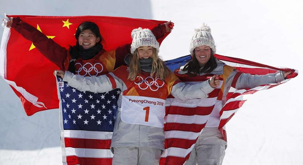 La maravilla estadounidense Chloe Kim, de 17 años de edad, conquistó la medalla de oro en snowboard medio tubo de los Juegos Olímpicos de Invierno PyeongChang