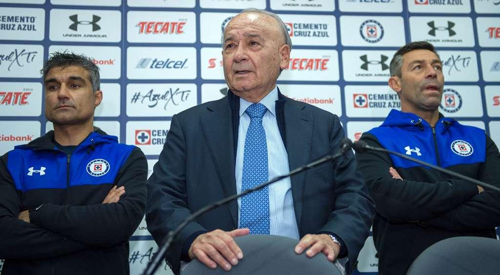 Guillermo Álvarez, presidente de Cruz Azul, expresó su preocupación por el mal paso de la Máquina, pese a todo lo que se invierte para la condición óptima de los jugadores