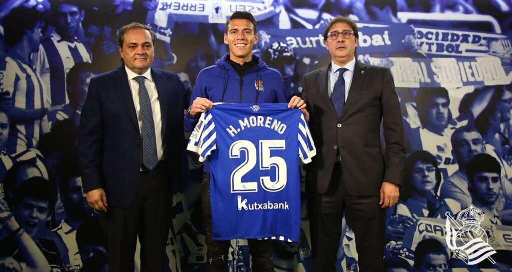 En su presentación como nuevo jugador de la Real Sociedad, Héctor Moreno reconoció que no pensaba salir de la Roma, pero que Carlos Vela influyó en su decisión de ir al club donostiarra