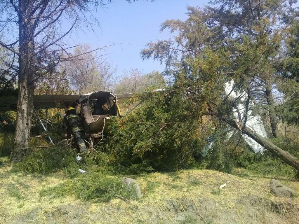Avioneta se impacta en rancho de Atizapán