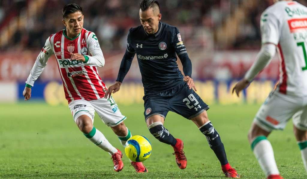 Los hidrorrayos del Necaxa tuvieron la oportunidad más clara para llevarse los tres puntos, pero Martín Barragán falló desde los once pasos y el equipo de Aguascalientes terminó 0-0 con los Diablos Rojos del Toluca