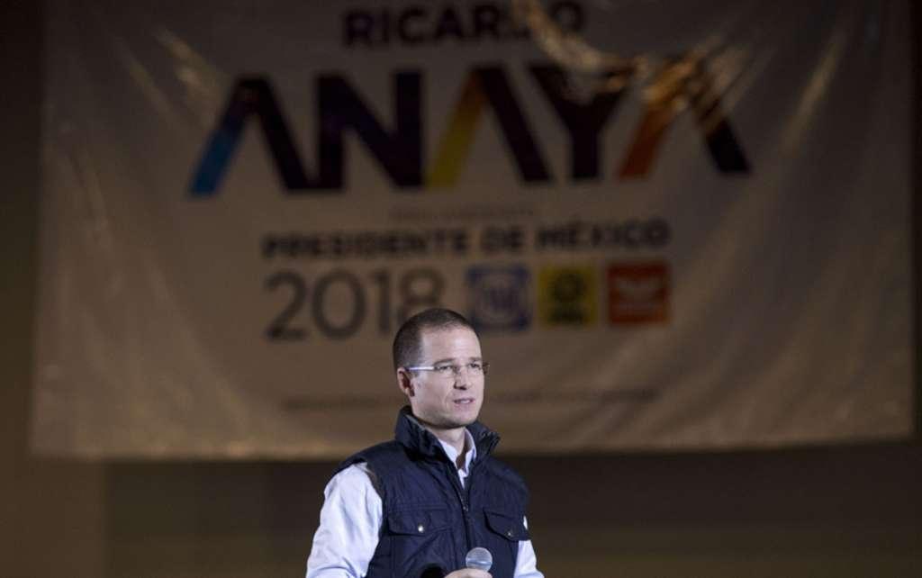 FOTOS: Denuncian a Anaya por corrupción ante PGR