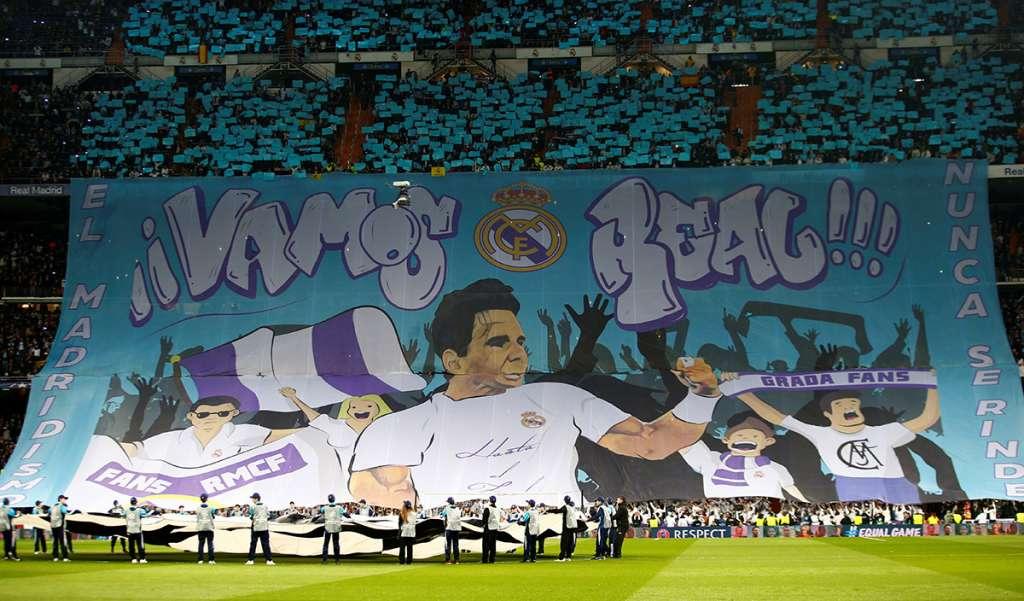 La imagen del número uno del tenis mundial, Rafael Nadal, apareció en el mosaico de la afición, previo al partido entre Real Madrid y París Saint-Germain, en la Champions League