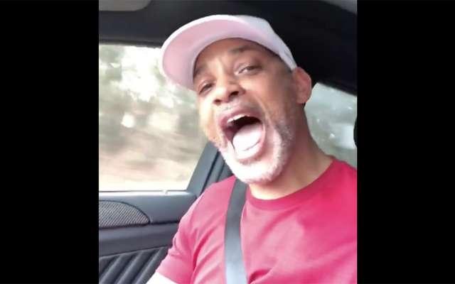 """Tras las críticas por su pronunciación y por no saberse la letra al cantar """"Bésame Mucho"""", ahora Will Smith canta La Bamba"""