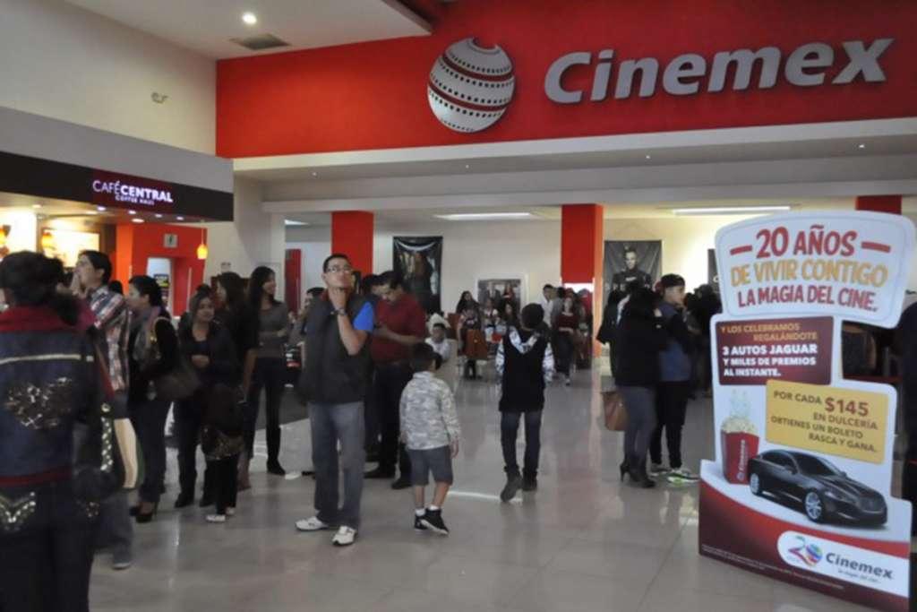 """Cinemex estrena a Coca Cola en su """"cartelera"""" de bebidas"""
