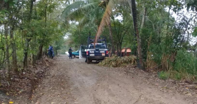 Arrumban a cinco ejecutados en una camioneta en Tuxtepec; dos eran menores