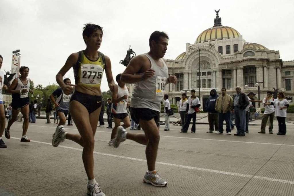 Maratón CDMX 2018 va por más de 42 mil corredores
