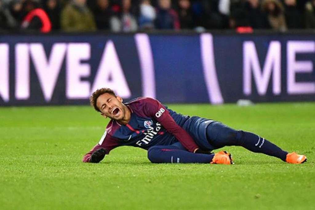 Neymar será operado en Brasil