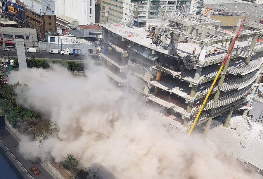 Colapsa loza en edificio ubicado en Avenida Ejército Nacional