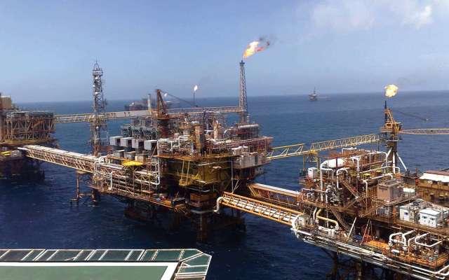 Producción de crudo de Pemex cae 4.5% en enero