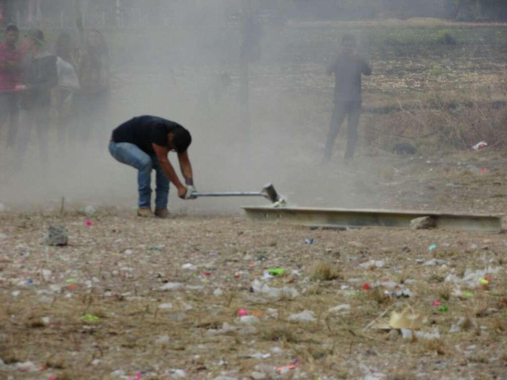Quema de petardos con mazos deja 64 lesionados en Celaya