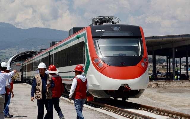 El proyecto pretende movilizar unos 230 mil pasajeros al día, al entrar en operación. Foto: Cuartoscuro