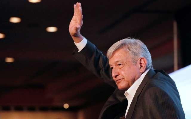 López Obrador insiste en bajarse el sueldo si gana la Presidencia