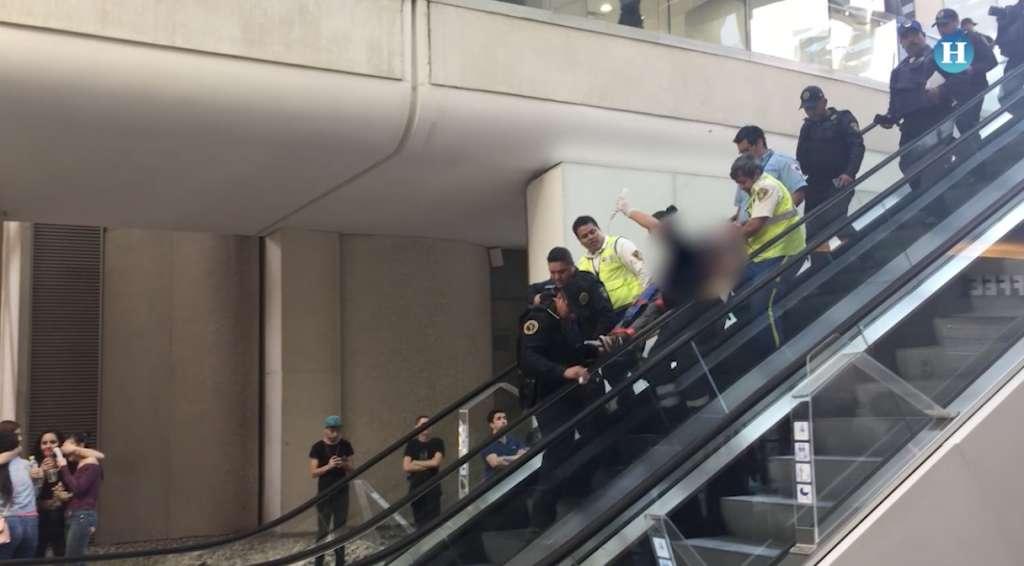 Hombre disparó contra su ex mujer en Reforma 222