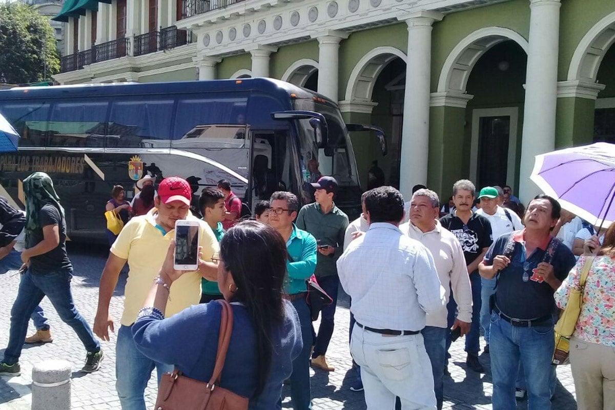 Ordenan detención de maestros chiapanecos que bloquearon centro de Xalapa