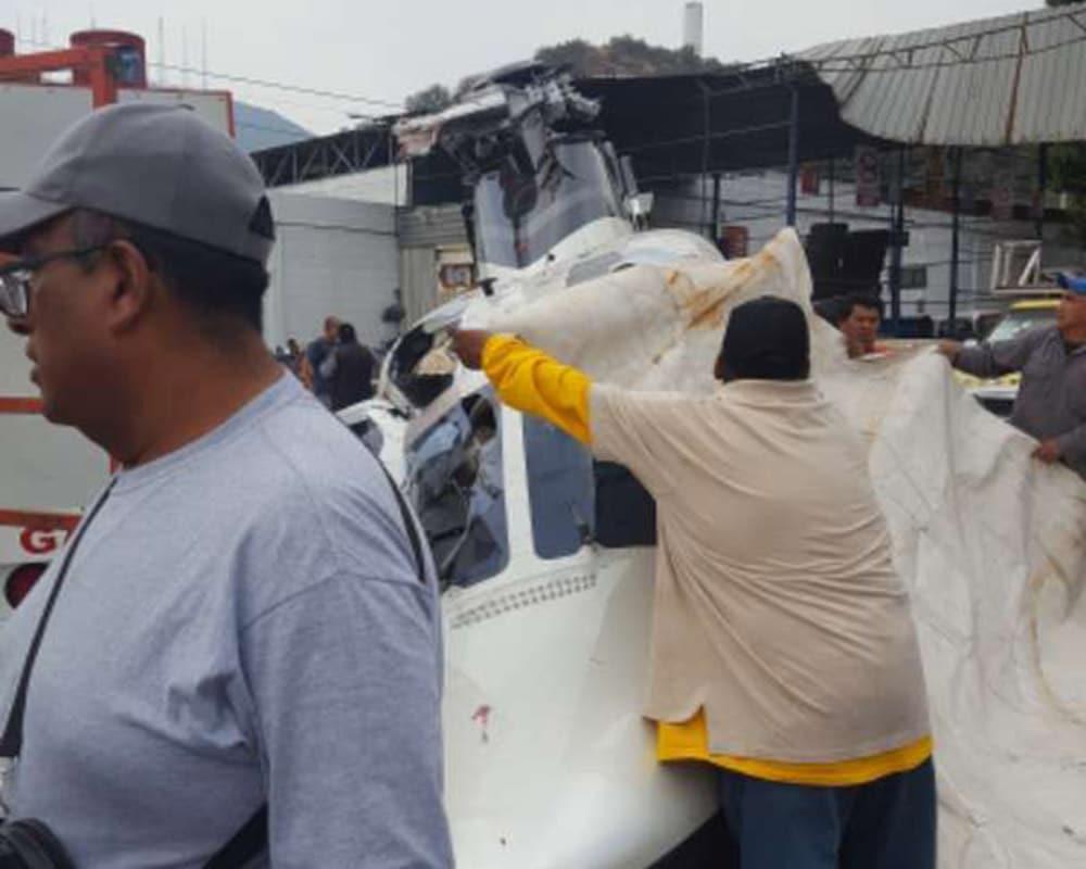 Cae helicóptero en inmediaciones de una gasera en San Juanico, Tlalnepantla