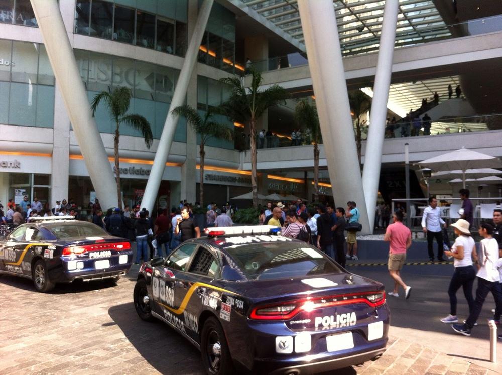 Muere mujer agredida a balazos por su ex pareja en Reforma 222; tenía una hija