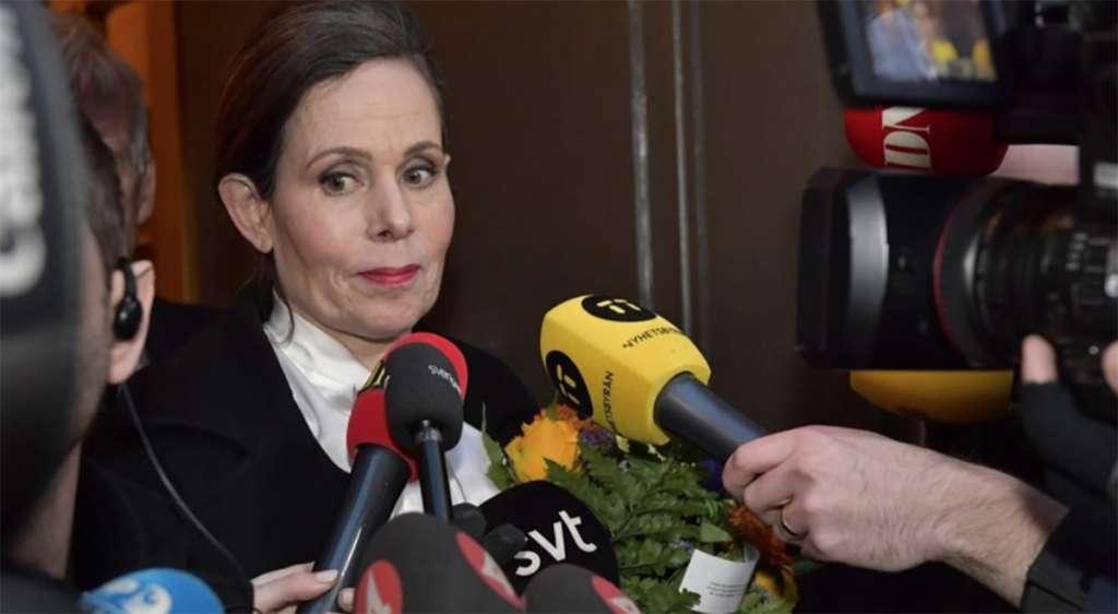 La exsecretaria de la Academia Sueca, Sara Danius, tuvo que dejar el cargo por los escándalos de corrupción y abusos FOTO: AFP