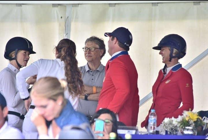 Bill Gates visita Xalapa para ver a su hija en encuentro hípico