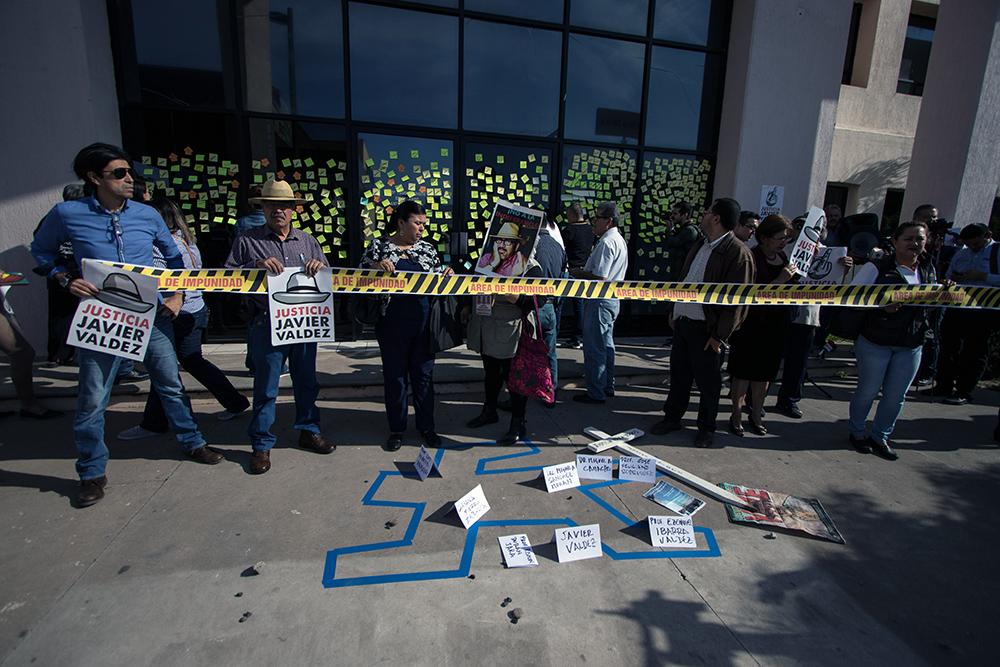 SINALOA. Periodistas reclaman resultados sobre el ataque Javier Valdez, a casi un año del asesinato