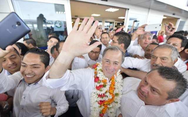 Meade vuelve a retar a AMLO: