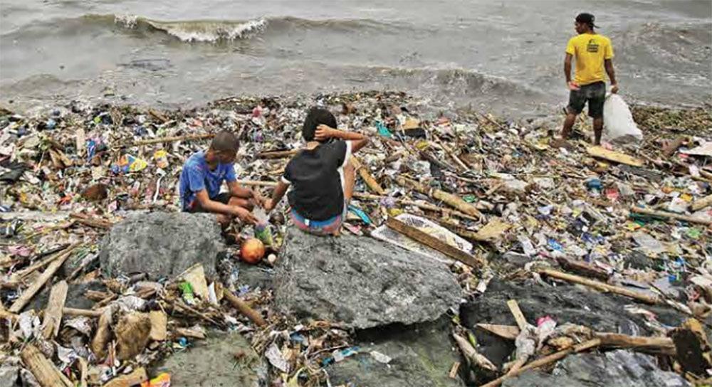 VIDEO: Invaden islas de plástico