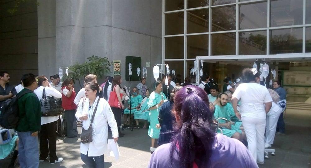 Desalojan Hospital del IMSS, Gabriel Mancera por olor a gas