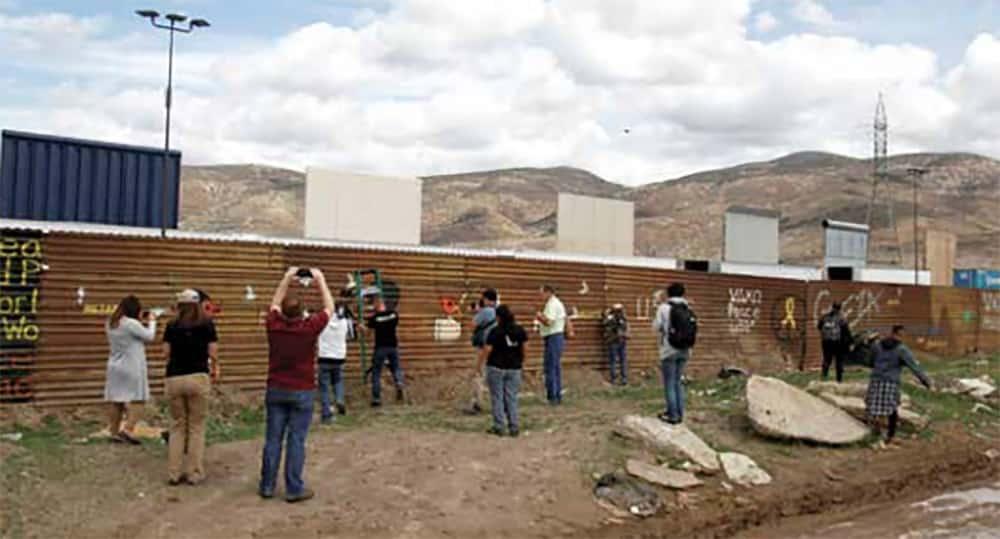 Muro de Trump atrae a turistas