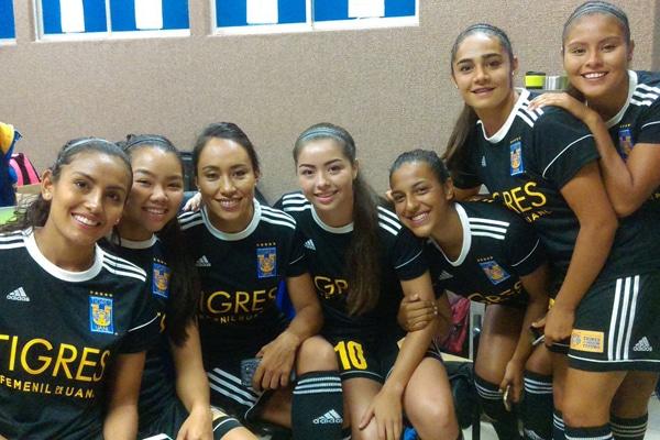 """Tigres tiene en sus """"garras"""" a las Chivas en el futbol femenil"""